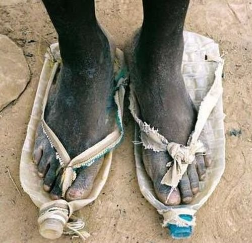 Как играют в футбол африканские дети (22 фото)
