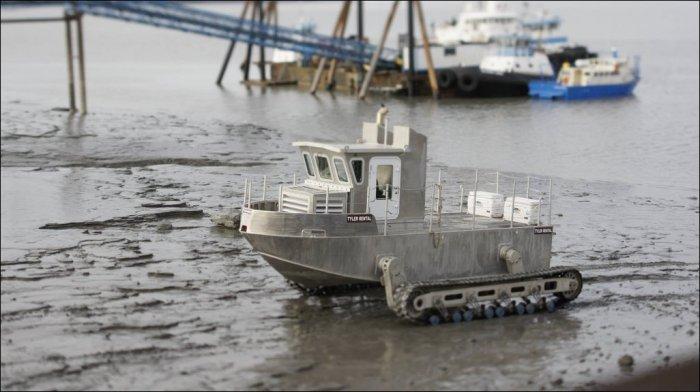 Лодка-вездеход (6 фото)