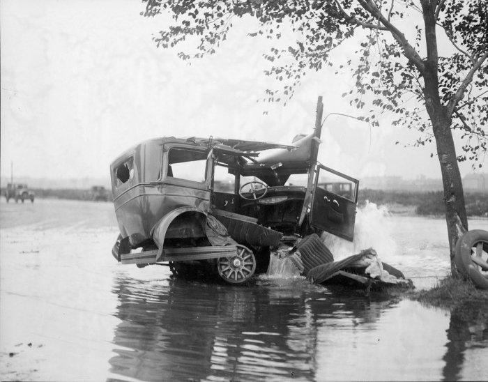 Аварии начала 20 века (20 фото)
