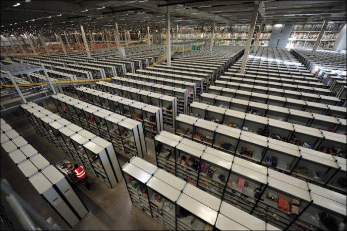 Склад интернет-магазина Amazon (10 фото)