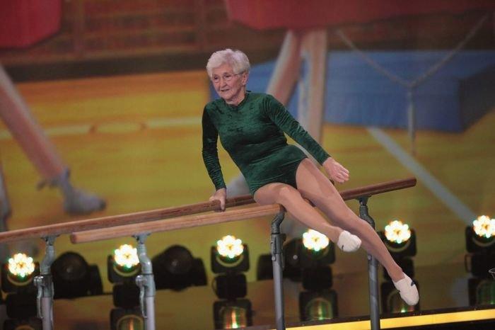 Бабушка-спортсменка (24 фото)