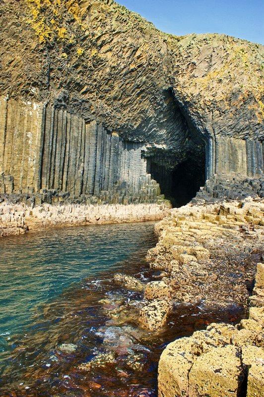 Поющая пещера Фингала (20 фото)