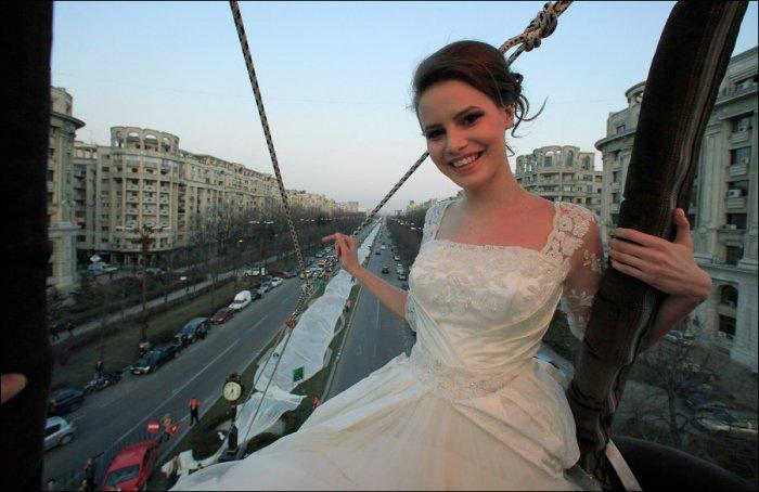 Самый длинный шлейф свадебного платья (4 фото)