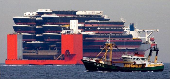 Огромный корабль (3 фото)