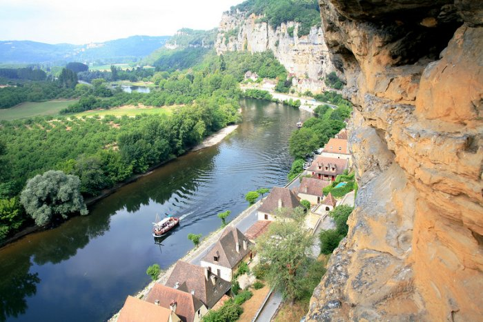 Французская деревушка La Roque Gageac (20 фото)