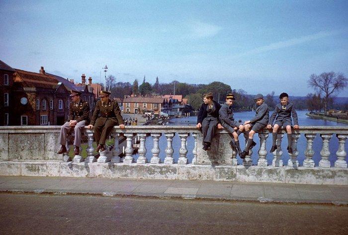Цветные снимки времен Второй Мировой войны 1944 года (20 фото)