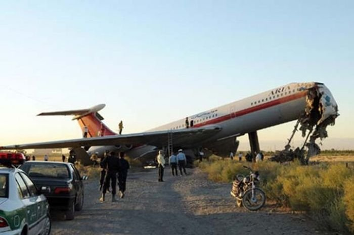 Упавшие самолеты (96 фото)