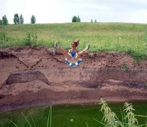 Фотожаба на летающую девушку (18 фото)