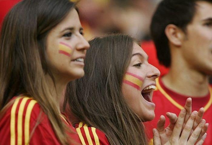 Девушки на Евро (80 фото)