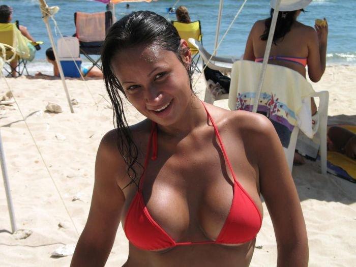 Девушки на пляже (68 фото)