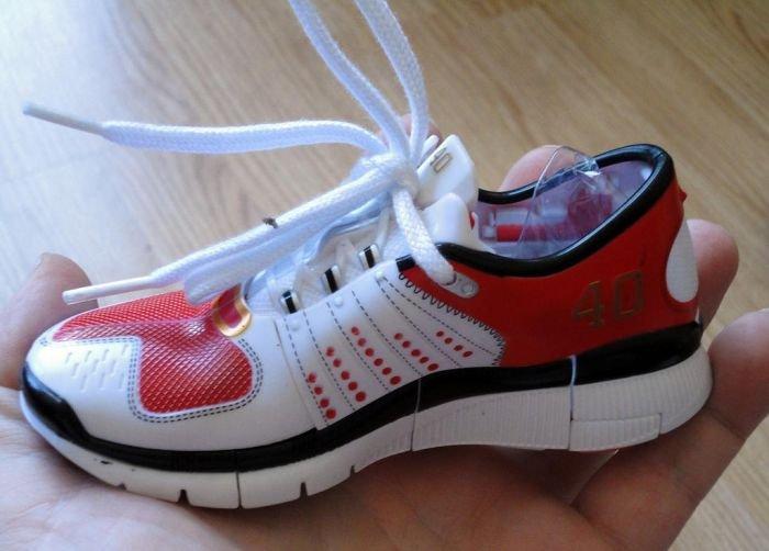 Необычные детские кроссовки (10 фото)