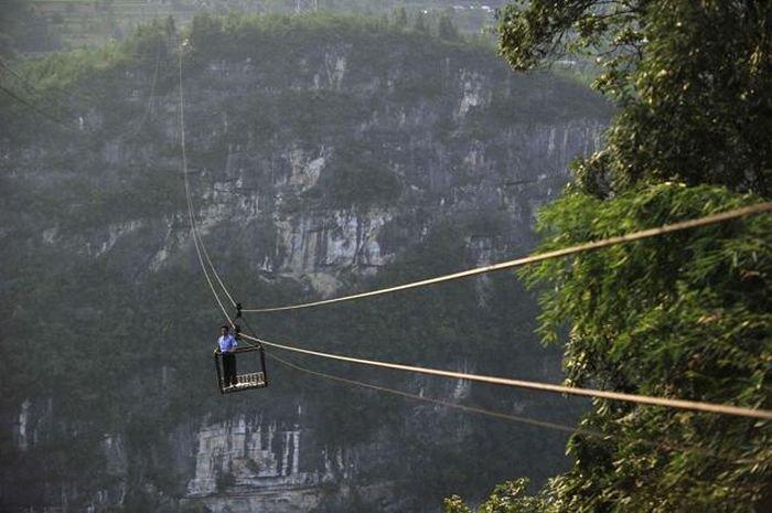 Канатная дорога в Китае (8 фото)
