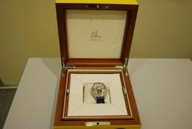 Часы за 54 миллиона рублей (2 фото)