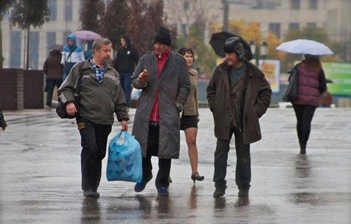 Голливудский актер стал московским бомжем (8 фото)