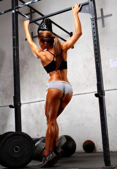 Девушки со спортивной фигурой (47 фото)