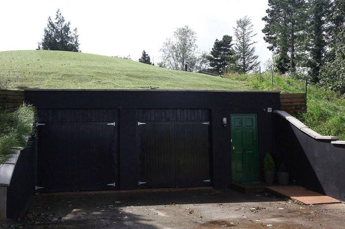 Дом на месте старого бункера (8 фото)
