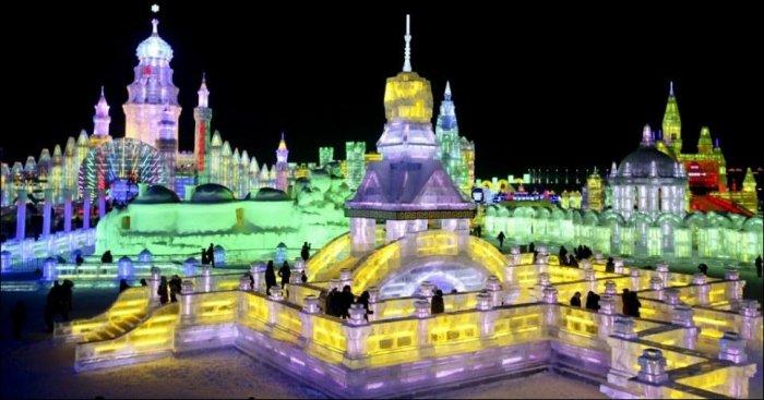 Город изо льда в Китае (15 фото)
