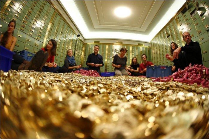 В Швейцарии сорят деньгами (8 фото)