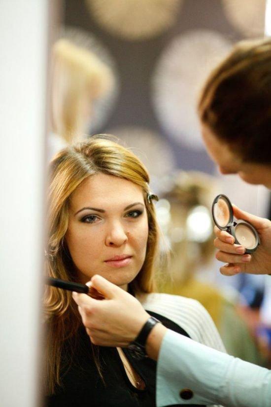 Как макияж меняет девушку (4 фото)