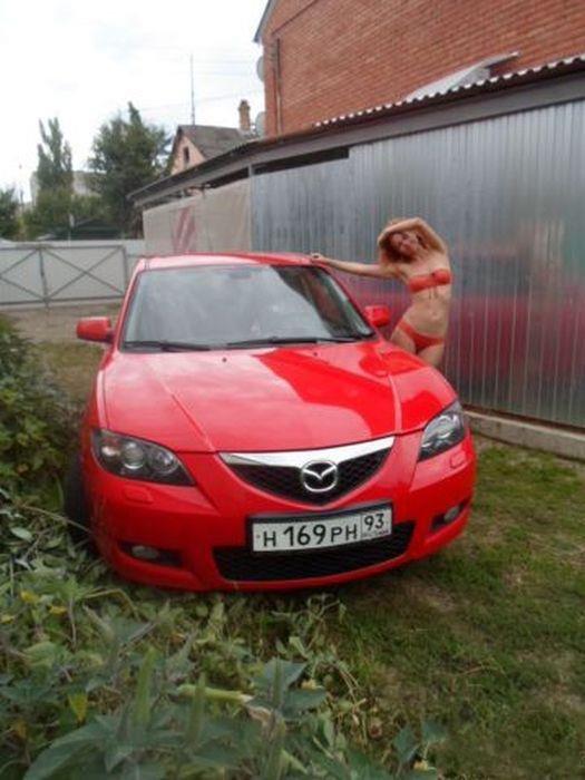 Девушка продает машину (6 фото)
