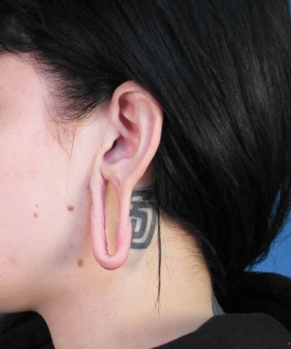 Картинка тоннели в ухо