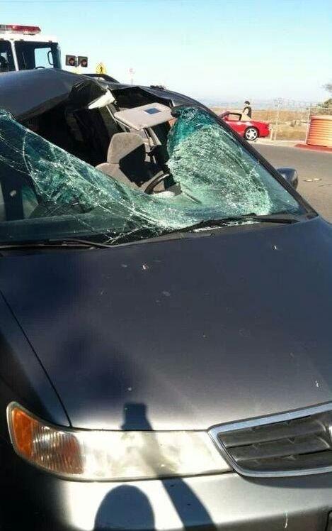 Необычная авария (3 фото)