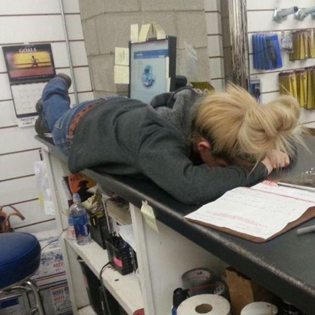 Приколы на рабочем месте (19 фото)