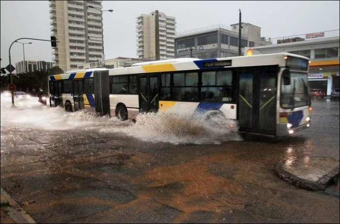 Наводнение в Греции (12 фото)