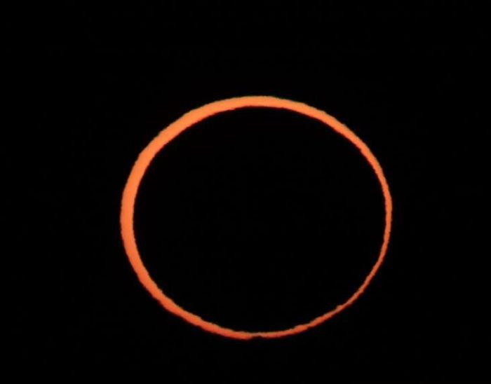 Кольцо огня в небе над Австралией (11 фото)