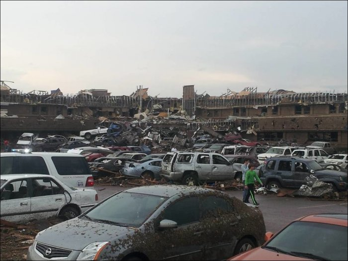 Последствия торнадо в Оклахоме (23 фото)