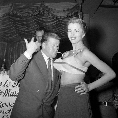 Надувной бюстгальтер из 50-х (5 фото)