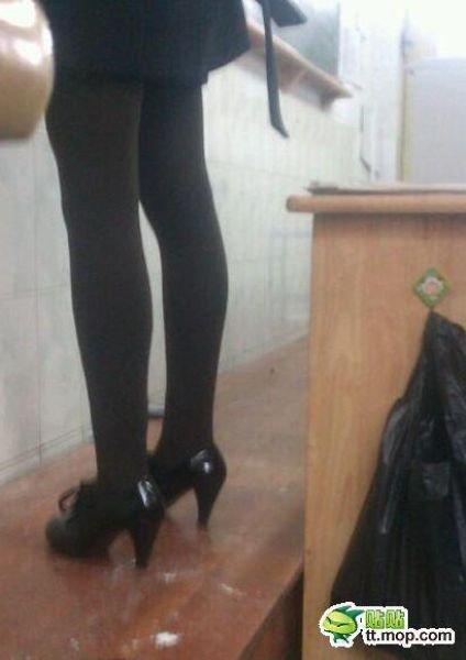 Сексуальная китайская учительница (10 фото)