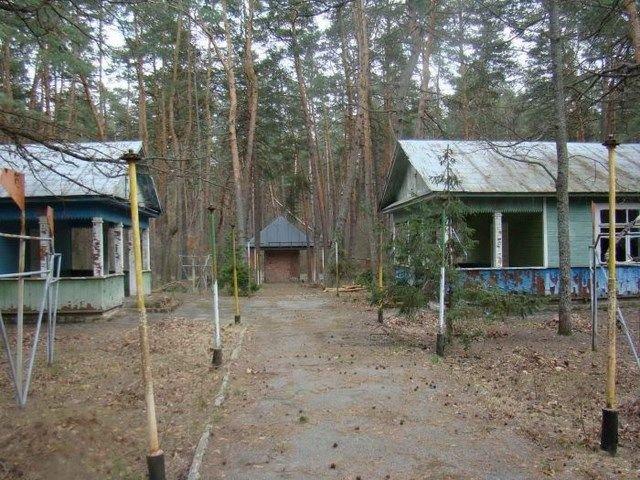 Заброшенный пионерский лагерь (30 фото)