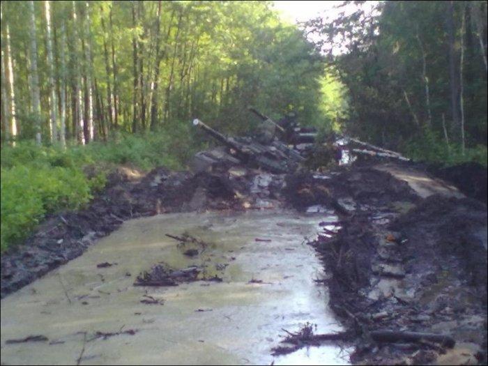 Танки грязи не боятся? (3 фото)
