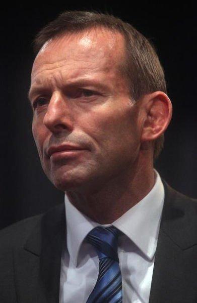 Лидер Австралии едет на работу (4 фото)