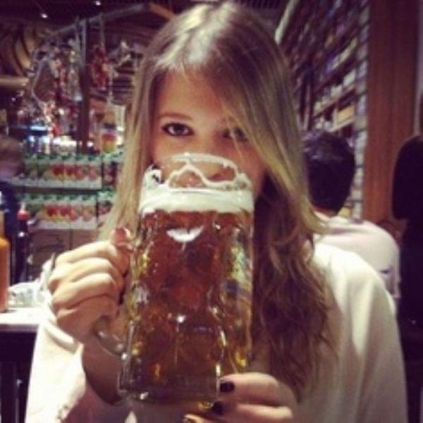 Девушки тоже любят пиво (44 фото)