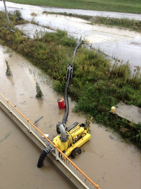 Олимпийскую трассу затопило (6 фото)
