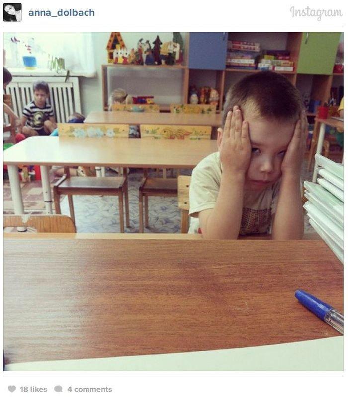 Сексуальная воспитательница в детском саду (17 фото)