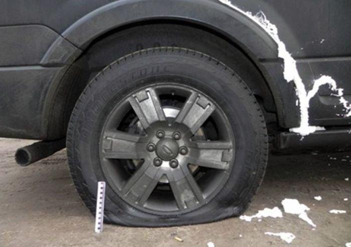 Месть владельцу машины (3 фото)