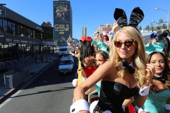 Парад 60-летия Playboy (25 фото)