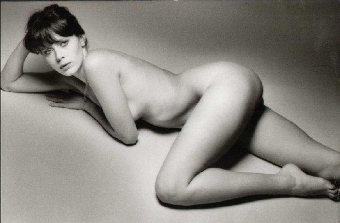 закончился разбег французские актрисы в эротике фото таки
