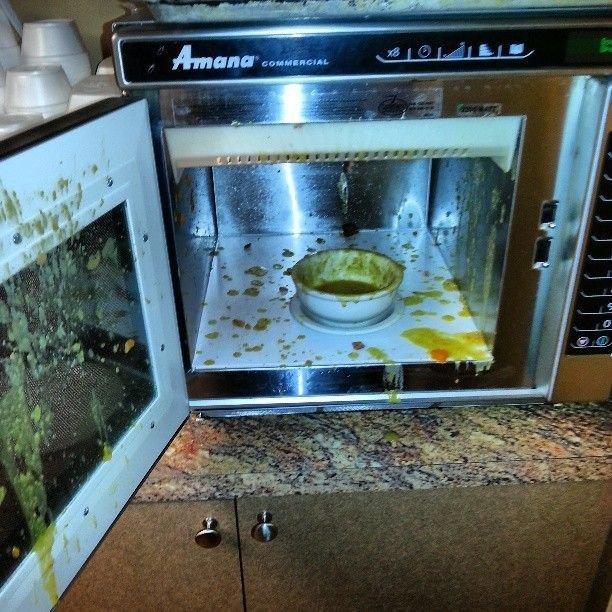 Неудачи с микроволновкой (24 фото)
