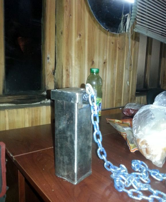 Суровая челябинская пепельница (15 фото)