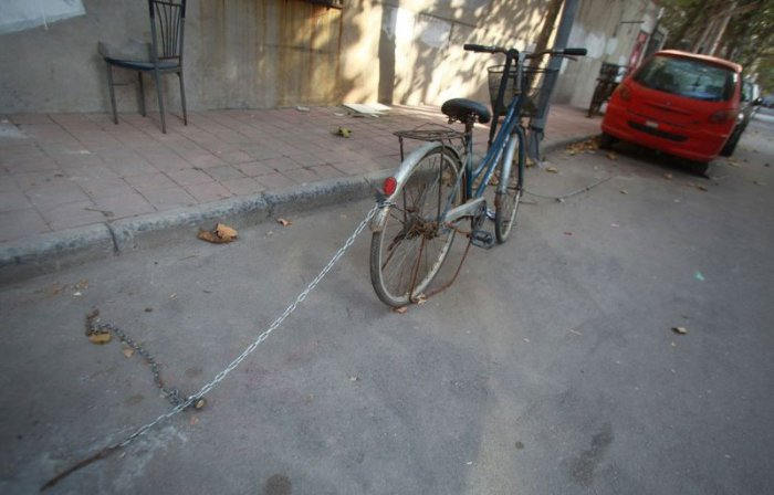 Как бронируют парковочные места в Китае (13 фото)