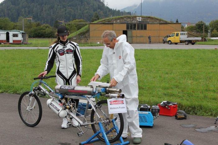 Рекорд скорости на велосипеде (10 фото + видео)