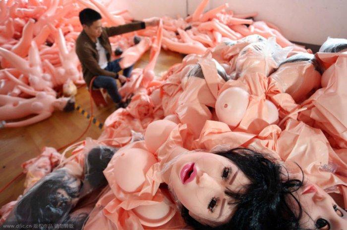 Фабрика секс-кукол в Китае (8 фото)