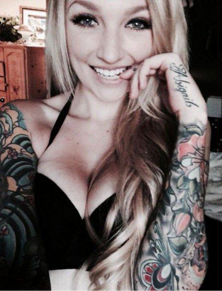 Девушки с татуировками (60 фото)
