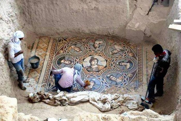 Мозайка в 2 тысячи лет (14 фото)