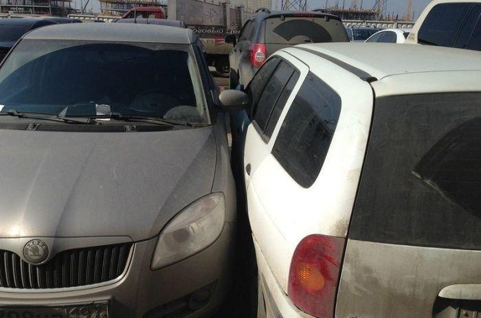 Случай на парковке (4 фото)