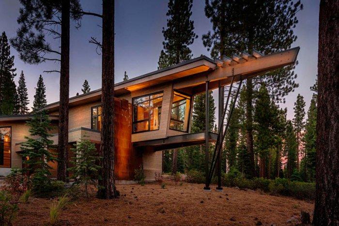 Современный домик в лесу (18 фото)